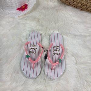 Shoes - NWT Women's Flip Flop Size 9/10